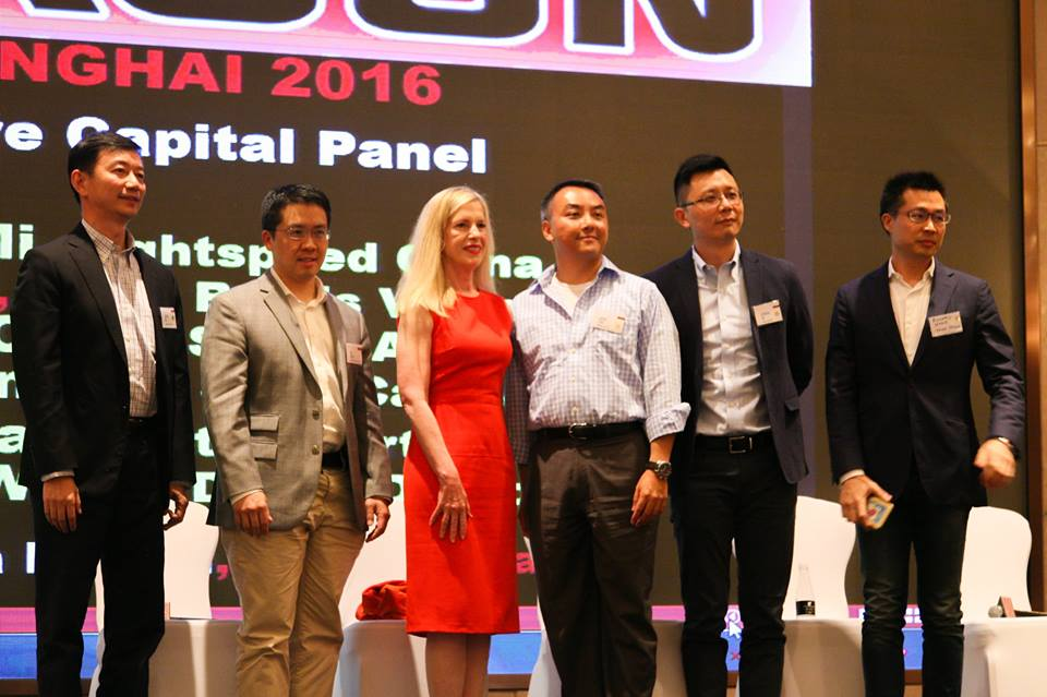FB, VC panel, standing